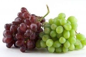 Uvas verdes y rojas